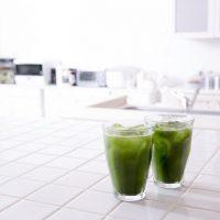 青汁の飲み過ぎはカラダに悪影響も。適量を守って効果的な野菜補給を