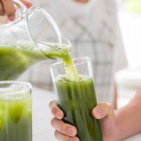 緑効青汁で美肌をGET♪秘密は配合成分にある?おすすめの飲み方・口コミ5選