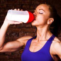 ジムトレーナー直伝!筋トレ効果を高めるプロテイン活用術。おすすめ商品7選