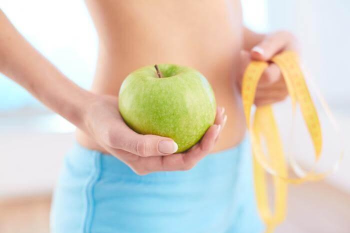 家でできる運動で楽々ダイエット♪筋トレから食事法まで15の方法を大公開!