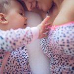 胸にもできる妊娠線3つの予防策とは!ケアして綺麗なバストを守る!