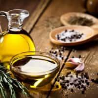【亜麻仁油ダイエット】効果が高い理由と方法。短期間で-5kgを達成した人も…!
